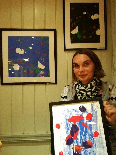 Unni-Marie Remmen (37) fra Fagernes skal ha sin første ordentlige utstilling, og det på Tante Gerda kafé i Hamar.