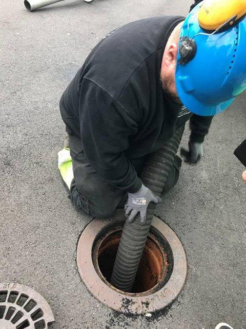 FORURENSER: Avløp må sikres, slik at ikke mikroplasten blir med ut i avløp og gråvann.