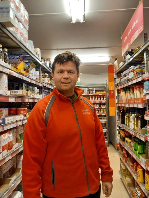 Tom Oddvar Solheim fortsetter inntil videre som butikksjef i Coop Marked i Slidre, mens han er i gang med å ansette sine nye kolleger i Coop Extra.