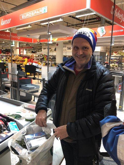 Ekstra: David Durkan handler inn ekstra mat som kan holde seg lenge i fryseren, sånn i tillfelle.