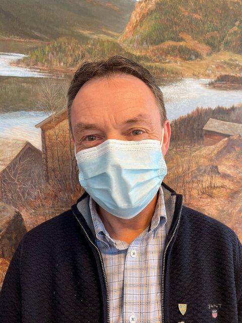 – Det kan komme mye folk til Nord-Aurdal i helgen, og vi ber alle, både tilreisende og fastboende, om å ta på seg munnbind når de skal ut blant folk, sier ordfører Knut Arne Fjelltun.