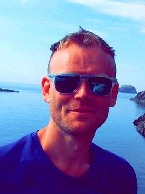 SOMMERVIBBER: Tom Omdal fra Sokndal jobber i Norwegian, og har feriefølelse hele året.