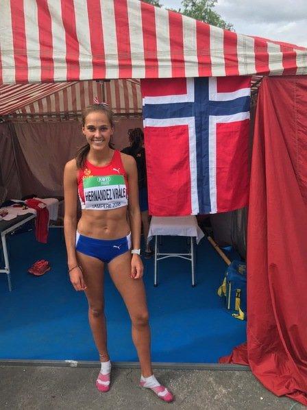 BRÅSTOPP: Solveig Hernandez Vråle fra Drammen tok seg til semifinalen på 400 meter hekk i junior-VM, men der ble det bråstopp.