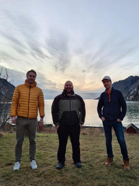 KLAR FOR SOMMEREN: Magne Jacobsen, Eirik Grønhaug og Lasse Vebostad driver Lofoten Rental Hub. Nå er selskapet klar for hektiske sommermåneder.