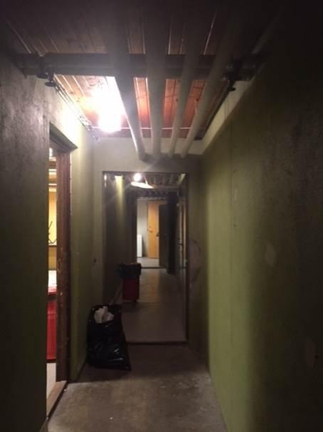 UNDERETASJEN: Bilde fra gangen under Sivilforsvarsbyggene der asylsøkerne ble oppdaget. Foto: Bufetat