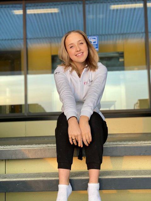 POSITIV: Mille Hult er leder for Tromsø ungdomsråds arbeidsgruppe for Bedre seksualundervisning på skolene, samt elevrådsleder på Sommerlyst ungdomsskole. Hun tror chattetjenesten vil være et kjærkomment tilbud til ungdom både i byen og i distriktene.