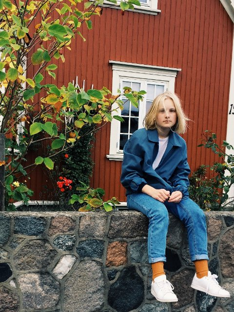 TØFT PROSJEKT: – Jeg prøver å formidle ungdoms verden, forklarer Tuva Rasmussen Tørresdal.