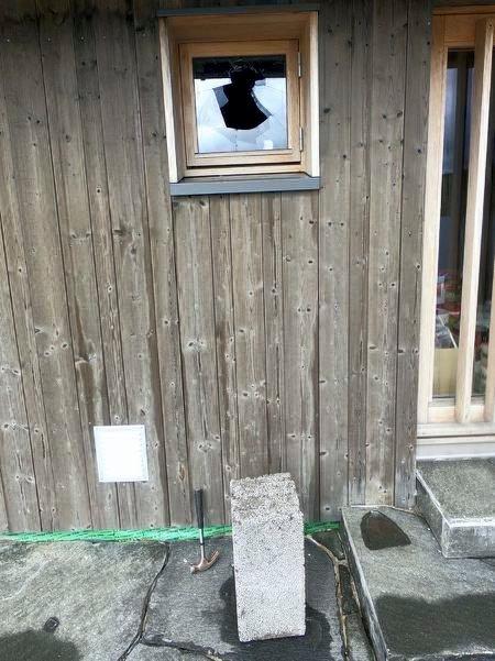 ETTERFORSKES: Hytteinnbruddene på Hardangervidda er ikke oppklart. Politiet understreker at sakene ikke er henlagt. Bilde fra hytta i Sneiselia hvor det første innbruddet ble oppdaget og anmeldt. (foto privat )
