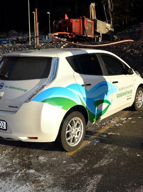 Elbil-problemer: Valdres Energi sin elbil Nissan Leaf går ikke tur/retur Beitostølen vinterstid. Det er cirka 80 kilometer fram og tilbake.Arkivfoto: Anne Kjønniksen