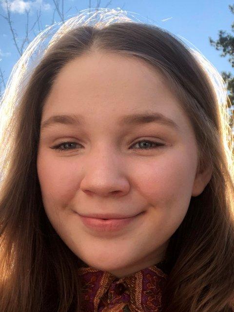 ENGASJERT: Kamilla Engebretsen (16) fra Høvik er juniorrådgiver i URO, som er Plan Norges ungdomsgruppe.