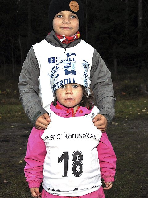 GØY: Det syntes Oliver (9) og lillesøster Tilde Gjerstad (3).