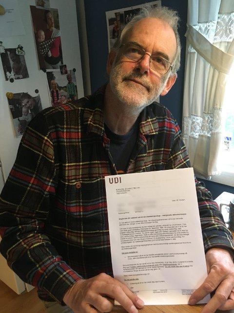 Min søknad om norsk statsborgerskap er blitt veid av UDI - og funnet for lett! skriver Richard Burgess på sin Facebook-profil og viser frem brevet fra UDI.