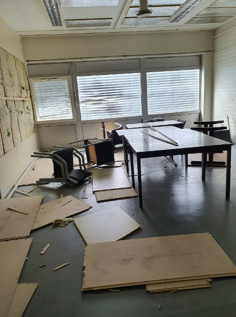 Slik så det ut i de tidligere lokalene til tollvesenet på Flisa da Nick Robin Kleppe ble varslet tirsdag morgen.