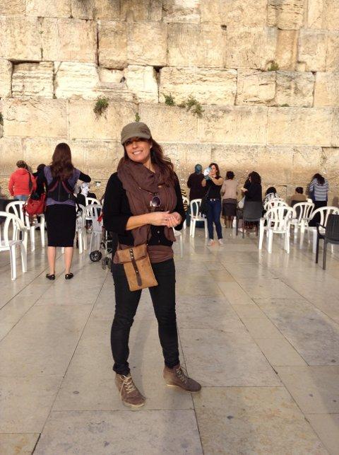 "DER DET HENDTE: I 2015 dro Astrid Tveitan til Jerusalem for å lage video til påskelåta ""Crucified""."