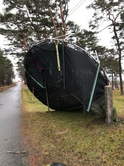 Denne trampolinen blåste av gårde på Hvaler