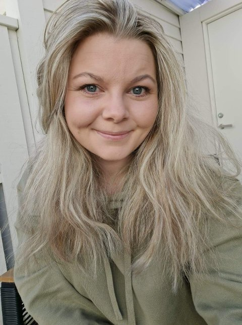 KLAR FOR GRØNT: Carla Maria Haringstad og samboeren har sett etter bolig i Åkra-området en stund.