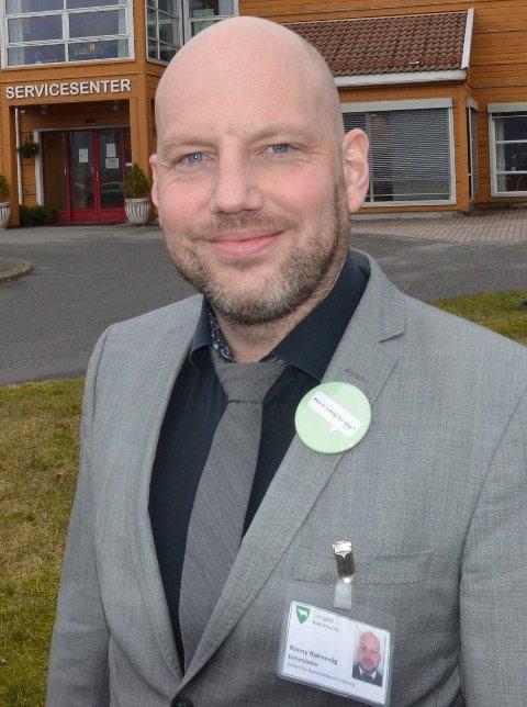 ISOLASJON: Fortsatt er det tre isolerte med koronasmitte i Lyngdal, opplyser Ronny Bjørnevåg.