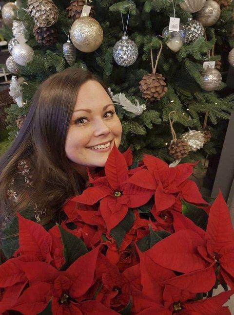 Elsker blomster: Siw Elena Larssen ser for seg en fremtid  i blomsterbutikken i Myra.