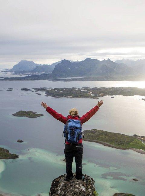 Mestring: Å ha nådd toppen gir en god mestringsfølelse, og utsikten er en bonus. Foto: Kristin Folsland Olsen