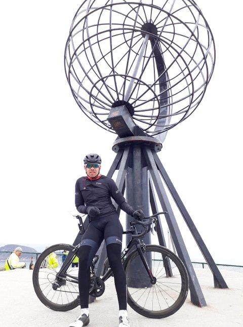 ENDELIG FREMME: Erlend Sundstrøm ankom Nordkapp litt over seks døgn etter at han startet fra Lindesnes.