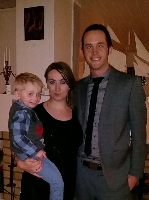 NORGESFERIE: Victoria (29), Roy (33) og sønnen Matheo (8) skal kjøre fra Sarpsborg til Nordkapp.