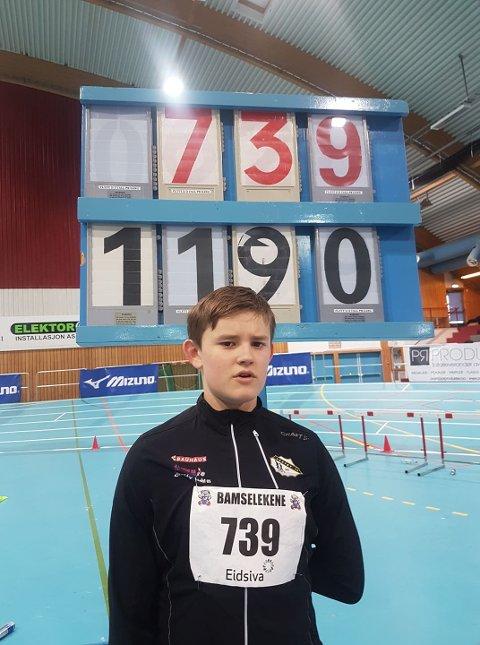 NY REKORD: Even Hem Bolle kastet i helgen kula 11.90 meter. Dette var ny personlig rekord og ga suveren seier i 13-års klassen.