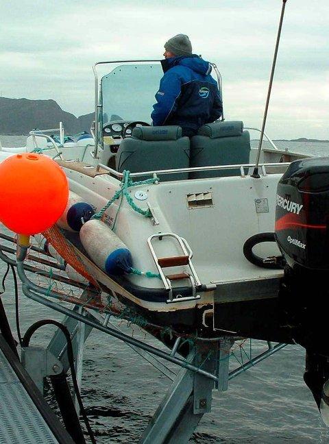 Båtheis: Hydraulisk båtheis for røffe vêrtilhøve - ein ide som førebels ikkje har teke laus i marknaden.