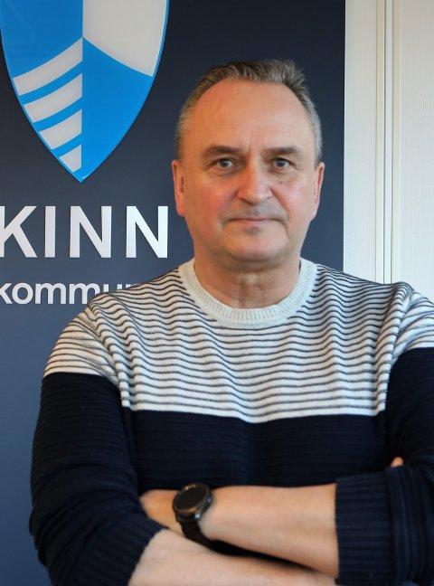 TRENG VEDTAK: Skal kommunedirektør Terje Heggheim planlegge nedlegging av skulane i Steinhovden og Stavang, så treng han at politikarane treff vedtaket. Og deadline for dette er februar 2021.