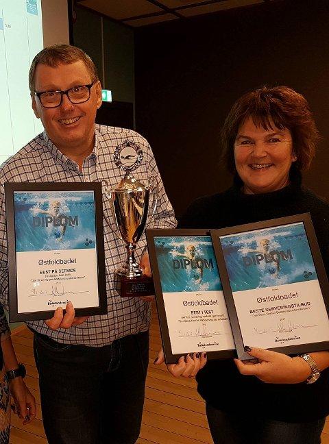 David Koht-Norby og Anne Berit Lund Haube fra Østfoldbadet som stolte vinnere sammenlagt.