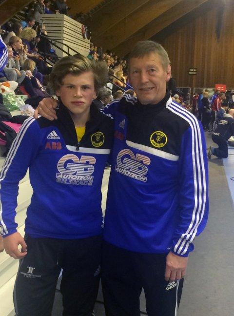 Samuel Andreassen sammen med trener Morten Brekke.