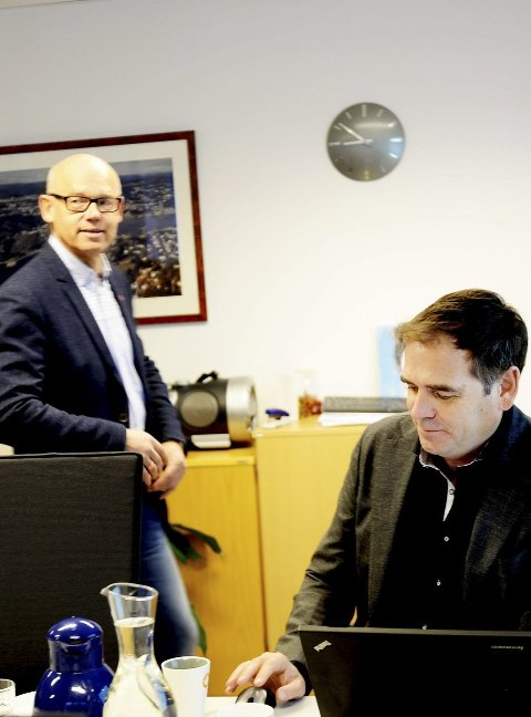 HEKTISK: Styreleder Hans Hilding Hønsvall (t.v.) og daglig leder Andreas Gillund i Vesar ser ikke for seg at selskapet tar over driften av renovasjonstjenesten i Vestfold i egen regi, slik Oslo kommune nå gjør.