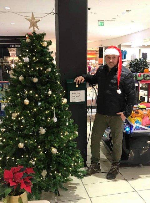 LOKAL NISSE: Stig Eie i Veteraner fra Internasjonale operasjoner ønsker å gjøre julen litt bedre for dem som har det vanskelig. I postkassen på Spor 2 (Amfi) kan det legges i julegaveønsker.