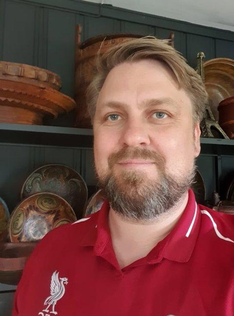 NY TOPPLEDER: Åge-André Sandum fra Sokna har fått ny lederjobb i Hole kommune.