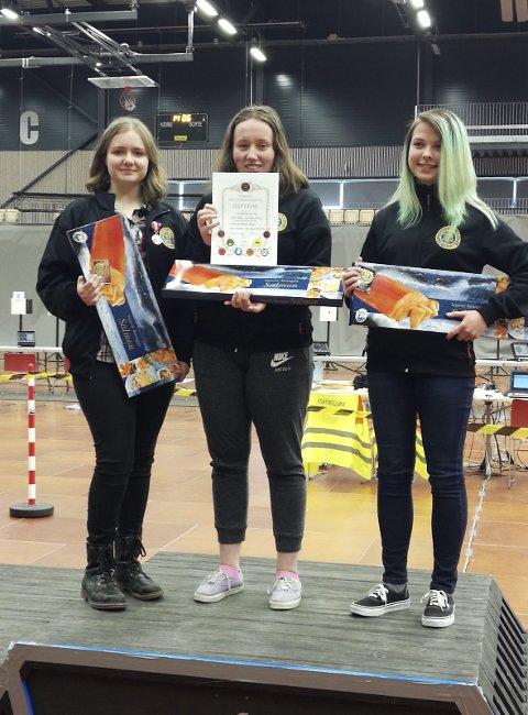 Gulljenter: Kirstin Dorothea Jensen (fra venstre), Silje Finsaas og Ida-Marie Knutson ble sist helg norgesmestere i pistolskyting.
