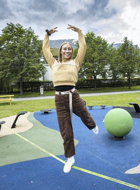 Stil: Pia Lauritzen Albrecht har ingen problemer med å finne balansen. Nå vil hun bli profesjonell danser, og til høsten begynner hun på Kunsthøgskolen i Oslo,