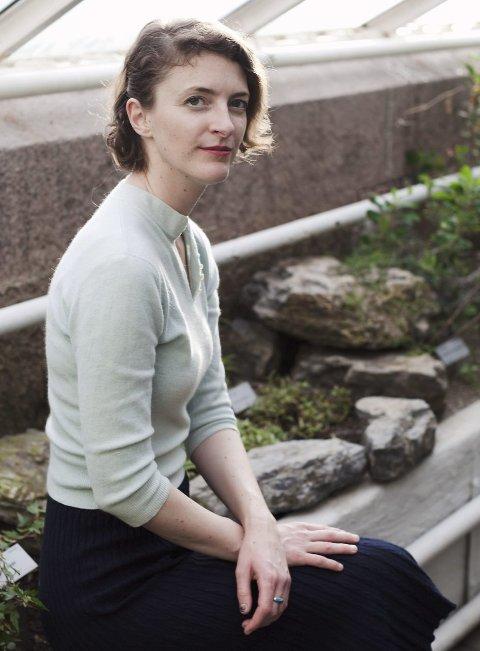 BOKDEBUTANT: Inger Wold Lund kjem i desse dagar ut med si første bok. FOTO: Heidi Furre