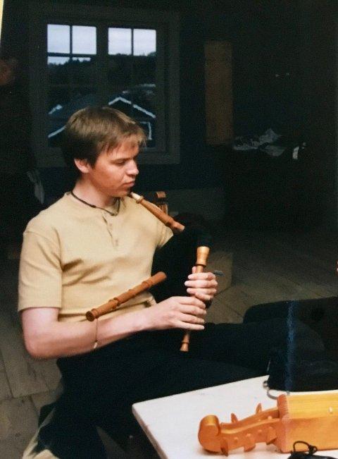 Anders spiller Sekkepipe på Hunn