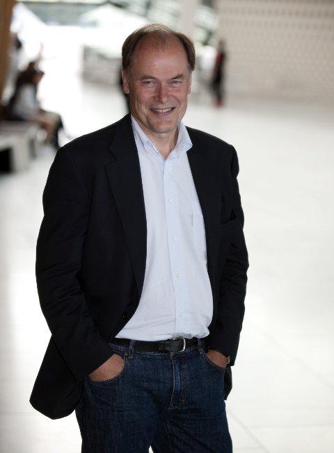 Tom Remlov har ansvaret for å finne den nye toppsjefen for Musikkfestuka. Det blir den tredje lederjobben innen kultur i Bodø på svært kort tid.