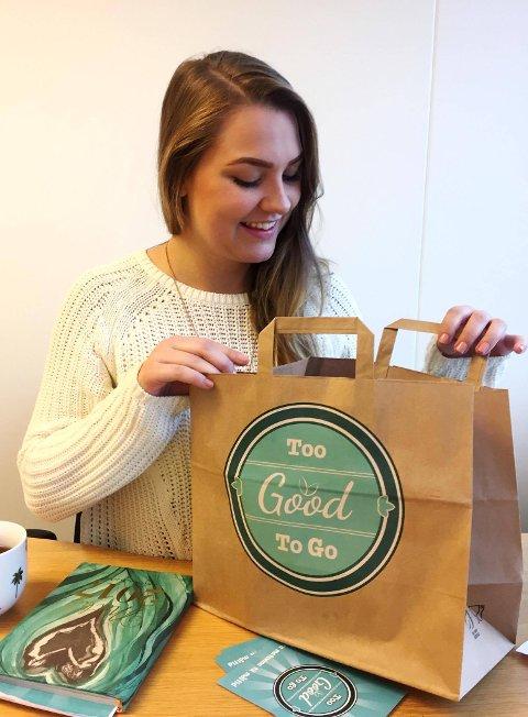 FORRETNINGSUTVIKLER: Haley Barkovitch fra Vestfold jobber som forretningsutvikler i Too good to go. Hennes råd er: Pass på å ikke kjøpe mer enn du trenger og vær generelt flink til å spise matrester.