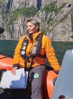FÆRRE AKSJONR: Leder i Norsk Folkehjelp Strand og Forsand, Anne Olsen, forteller at det har vært færre oppdrag til nå i år enn i fjor.