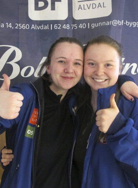 Klassevinnere: Jenny Elise Akeren Lundkvist (kl. 4) og Mara Kâhler (kl. e.jr.), begge Nora var begge klassevinnere under finalen.