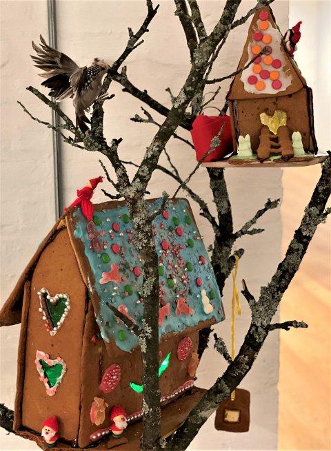 KOSELIG: «God jul lille fugl» heter denne kreasjonen.