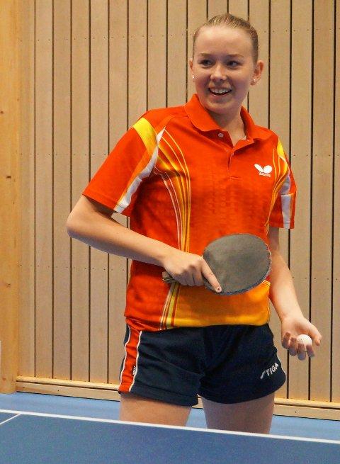 GOD: Lisa Lange fra Harestua er lokal landslagsspiller i bordtennis.