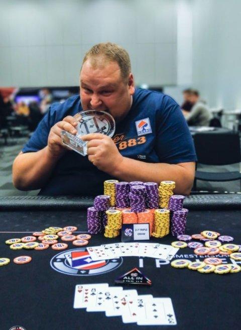 Alf Johannes Jacobsen fra Bodø kunne glise stort etter at han ble Norgesmester i 8-game poker. Foto: Privat