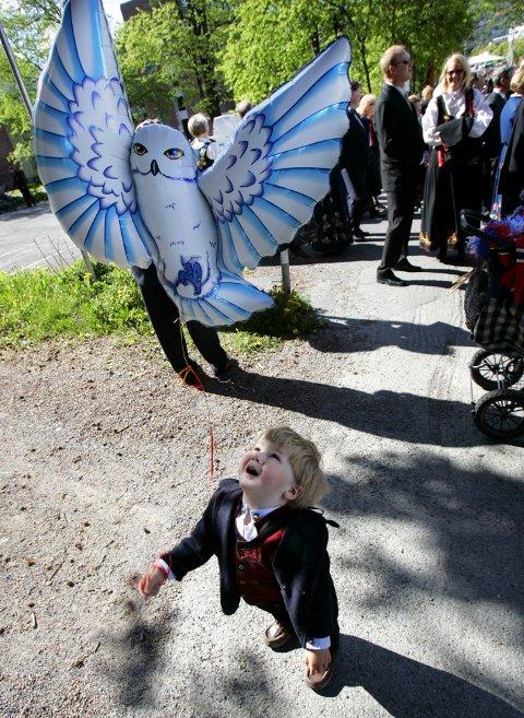 SEIER NEI: Fleire kommunar, blant dei Drammen og Bergen, har sagt nei til sal av heliumballongar på 17. mai.