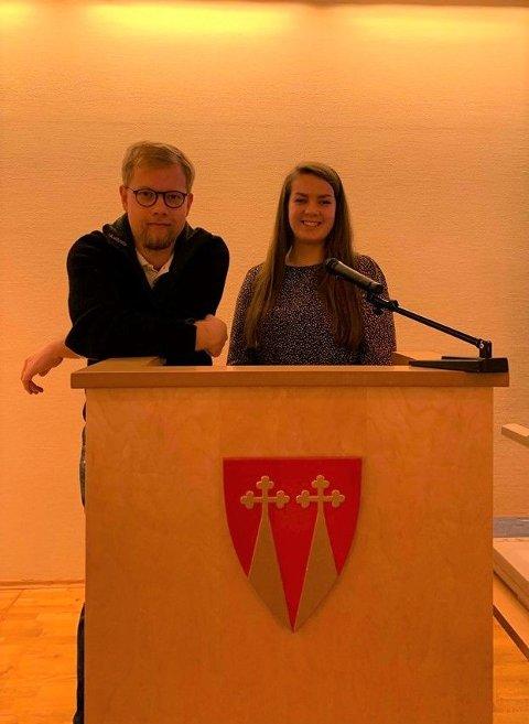 Vemund Viken (Ap) og Maren Raknerud (Sp).