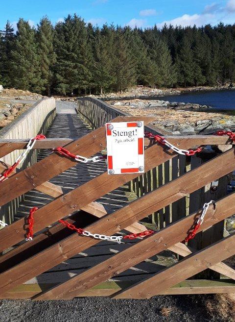 STENGT: Porten ved den vestlig broa slik den har vært siden arbeidene begynte i begynnelse av mars.