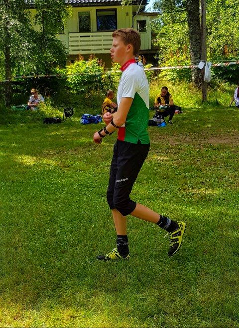 TØFT: Henrik Kaupang Lye (Larvik OK) løp i en tøff klasse, men gjorde en solid prestasjon.