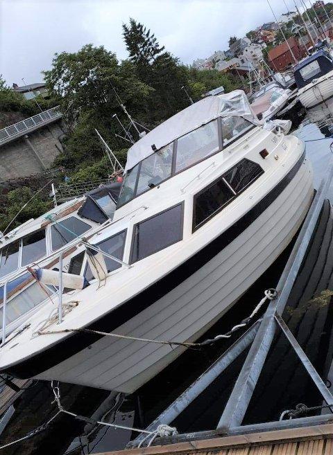 Denne båten er meld stjålet fra småbåthavna i Kristiansund. Registreringsnummeret er TAF 597.