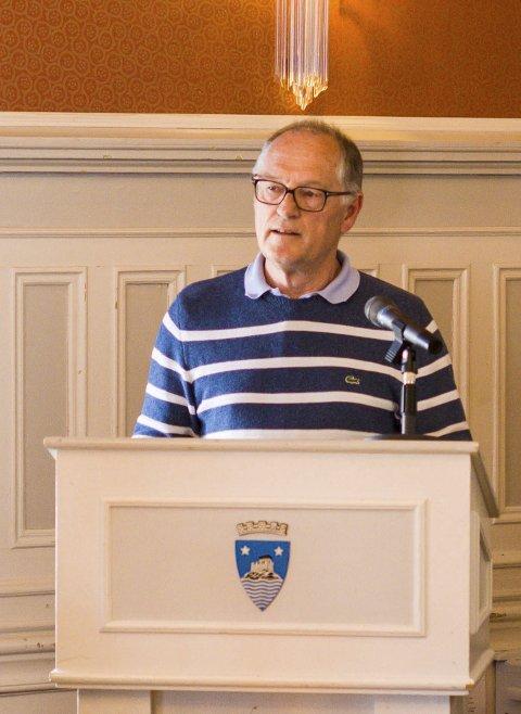 INSTRUKS: Leder i kontrollutvalget Jan Einar Henriksen (V) har nå bedt kommunedirektøren involvere politikerne i kommunens innkjøpsinnstruks. Bildet er tatt ved en annen anledning.